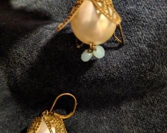 Faux Pearl Flower Drops