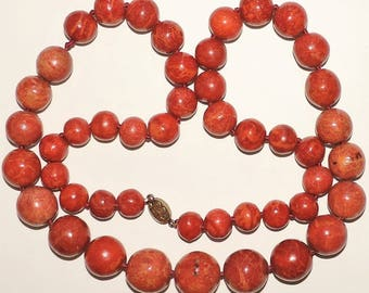 Vintage Estate Silver Clasp 9mm to 22mm Graduated Apple Coral Bead Necklace 32""