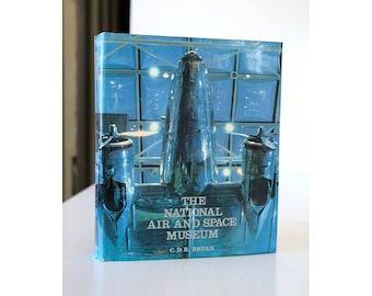 BOOK Air & Space MUSEUM  National Art Coffee Table Airplanes Nasa Cosmos Neil Degrasse Tyson Sagan Washington DC