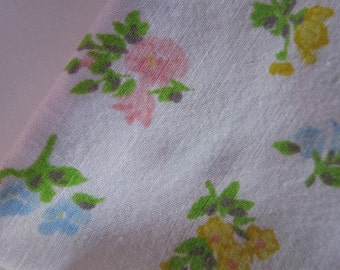 Vintage Sheet Fat Quarter Flowers