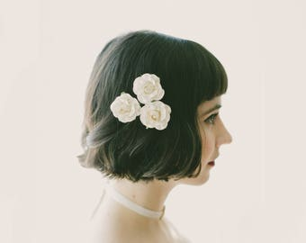 Paper rose bobby pins, Flower hair clip set, White flower clips, Pink rose bobby pins, Bridal flower set