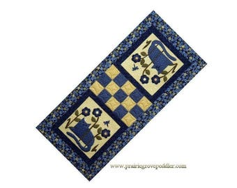 Cats in the Garden Table Runner Pattern With Free Hillcreek Buttons & Free Shipping