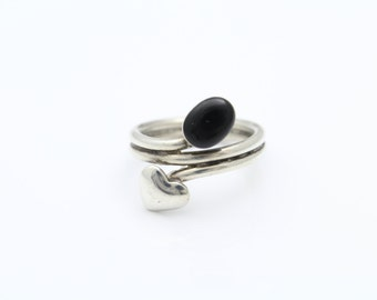 Artisan Heart Motif Ring with Black Onyx in Sterling Silver Size 8. [8425]