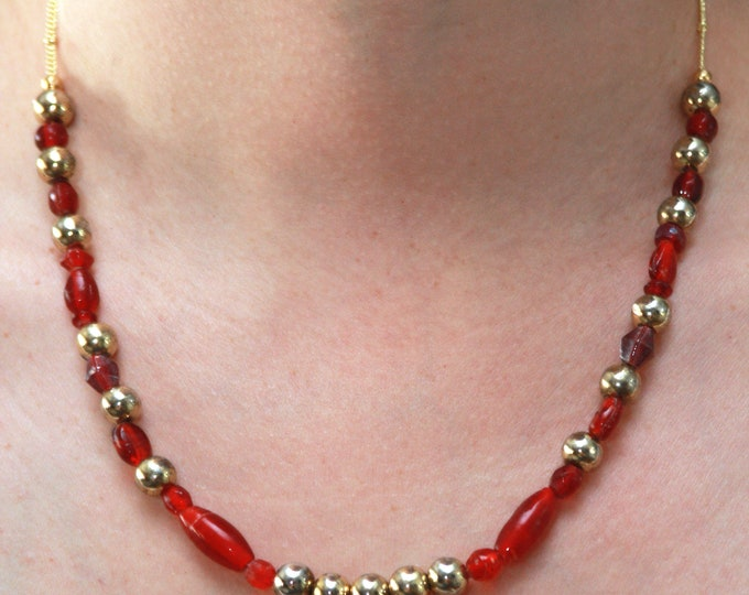 Red Glass and Gold Metal Vintage Beaded Necklace and Earrings Set, Upcycled Red Beaded Necklace Set, Red Vintage Christmas Jewelry Set
