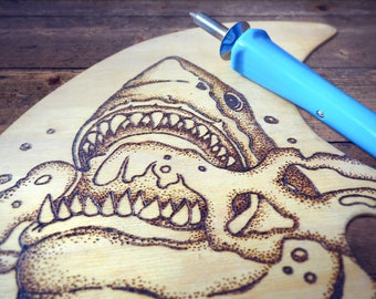 Wooden palette with angry shark - Pyrography