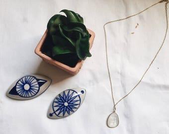 Minimal Quartz Necklace
