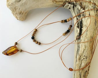 Amphora Essential Oil Diffuser Necklace. 2 lines. Baltic Amber and Sandalwood