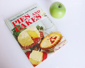 Cookbook 1972 Better Homes And Gardens Pies And Cakes Hardback 92 Pages Very Clean