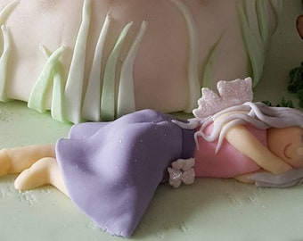Beautiful fondant fairy cake topper