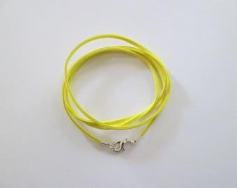 80 cm base de collier cordon suédine citron et fermoir métal argenté