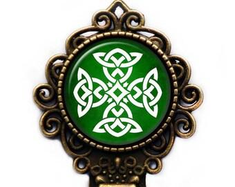 Celtic Symbol - Celtic Knot - White on Green Bronze Bookmark