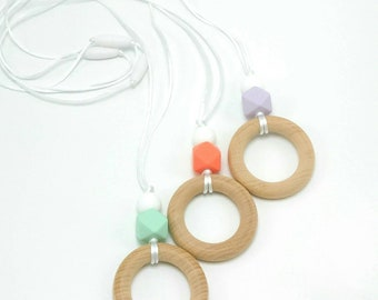Wood & Silicone Teething Necklace | Nursing Necklace | Wood Teething Necklace for Mom to Wear | Babywearing | Baby Shower Gift | Teether