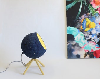 Lámpara da terra de papel maché Pluto, lámpara, papel mache, lampara da terra, lampara de pie, azul, lámpara de madera, lámpara de papel