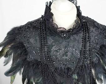 Gothic couture cross Jacquard collar cape , Cape mit Federn