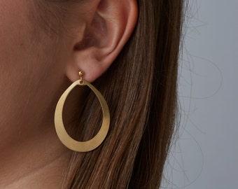Simple Gold Earrings | Plain dangling earrings | Minimalist earring | Casual earrings | Lightweight brass earrings | Teardrop hoop earring