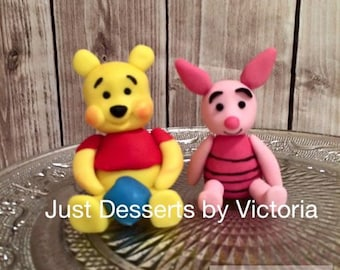 Winnie the pooh and piglet cake topper