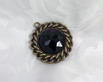 Antique Gold and Black Gem Urban Chain Pendant Destash Pendant