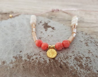 Filigree beaded bracelet with glass beads and shell core-pastel red/coral/pink gold Macrium