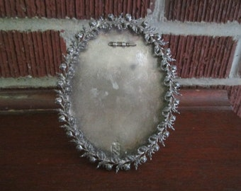 Vintage 1920s Standing Ornate Silvertone Oval Picture Frame