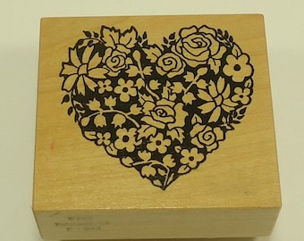 PSX F-342 Heart Made From Flowers Wood Mounted Rubber Stamp By Personal Stamp Exchange