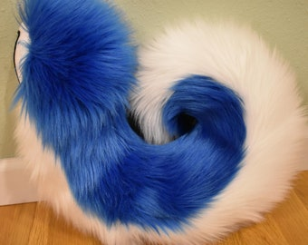 Shot Two Toned Husky Tail