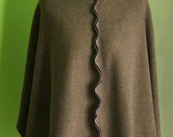 Brown  wool cape