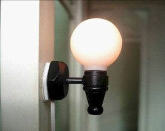 1/12th new dolls house working wall light