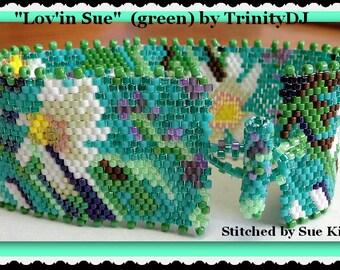 Peyote - Lov'in Sue - BP-FLO-078a - Green- Peyote Pattern, Peyote Bracelet pattern, beadweaving pattern, peyote stitch, bracelet pattern