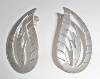 Cool unusual vintage Mexico sterling silver abstract modernist style teardrop and cactus cut out design pierced earrings