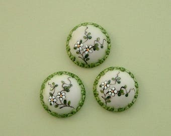 Domed Daisy Green Button set of 3