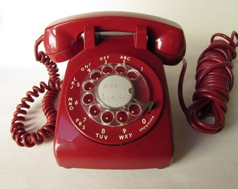 Working Red Model 500 Rotary Dial Phone Dated 1972 Bell Systems Western Electric