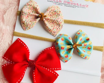 hamburgers and french fries Bow set