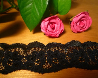 Black Lace with scalloped edge Silver 5 cm wide