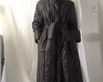Black down quilted 1970s coat