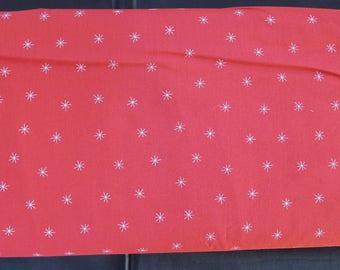Moda Merrily Snowy Stars Berry 48213 22 - Gingiber Seasonal Winter Snowy Stars Red