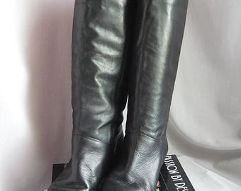 Vintage Black Leather Slouch Boots / Size 7 .5 M Eu 38 Uk 5 / Pixie Pirate Wide Leg Flat Cuff / 1990s Made Brazil