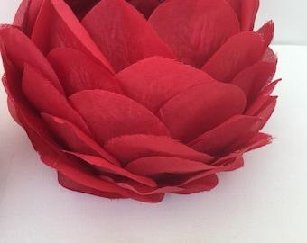 Rose petal centrepiece / rose petal candle holder