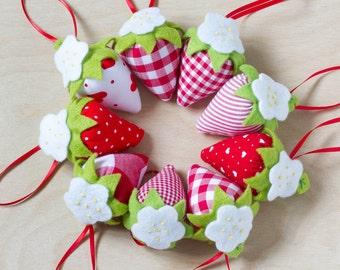 Set of 5 Large Strawberry Fabric Hanging Decoration, Fabric Gift Wrapping Decoration, Strawberry Pincushion, Fruit Pincushion