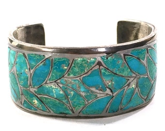 50s Native American Bracelet / Vintage 1950s Navajo Turquoise Flagstone Inlay Sterling Silver Cuff / Wide Old Pawn Zuni Jewelry Small Wrist