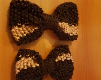 Knitted Brown and salmon pink bow with flat edges
