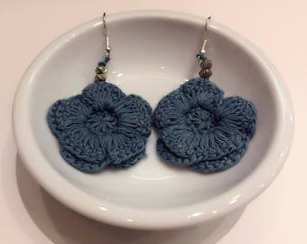 Crochet flower indigo earring