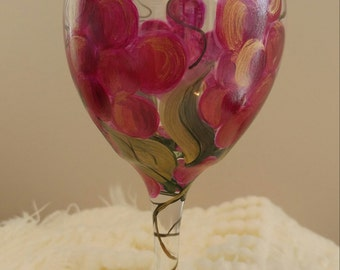 "Beautiful Vineyard Grapes Hand Painted on """"Food Network"" Wine Glasses"