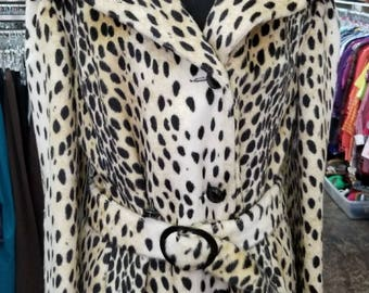Vintage  60s Safari Sportowne Cheetah print faux fur Hooded Coat with Belt