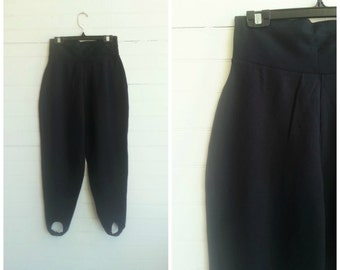 Vintage ski pants. stirrup pants.  size small