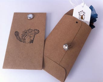 Little squirrel with a rhinestone pattern gift bag