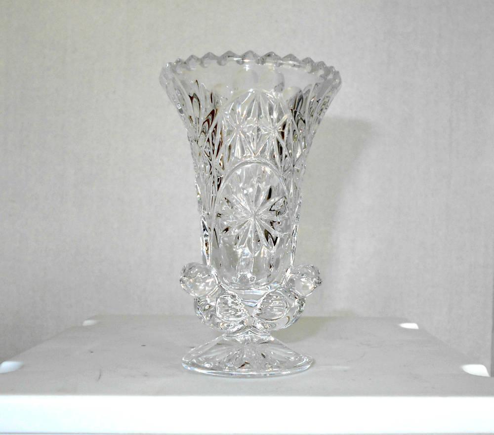 Lead crystal bud vaselead crystal bud vase with birdscrystal description lead crystal bud vase reviewsmspy
