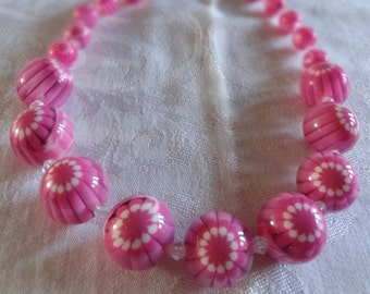 Necklace chunky pink psychedelic flower or eyeball beads