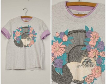 Siamese Cat in a basket T-shirt puff paint flowers Dallas Purple Gray 90s Vintage contrast collar large oversize boxy tee 40 Bust
