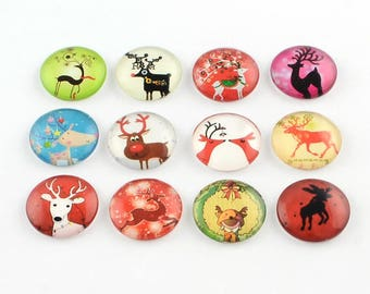 10 Reindeer Mixed Design Round Glass Cabochons 12mm (058)