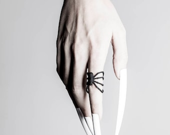 Spiderhug Ring in schwarz